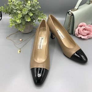 Nude and black pumps Etienne Aigner
